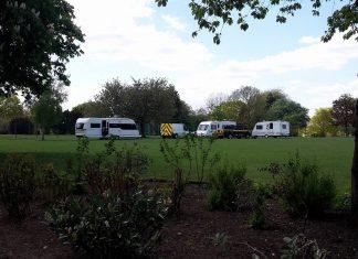 Travellers on Kings Heath Park 2017